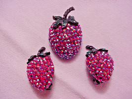 Weiss Strawberry Raspberry Pin & Clip Earrings Set AB Rhinestones VINTAGE - $44.55