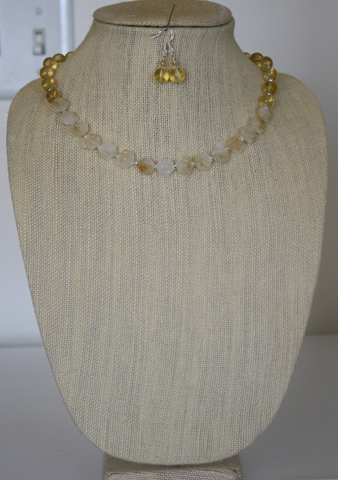 White/Champagne Gold Carved Flowers Quartz& Rutilated Quartz Necklace & Earrings