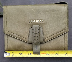 Cole Haan Purse on a String Organizer Travel Bag Green Leather Wallet Sa... - $54.15