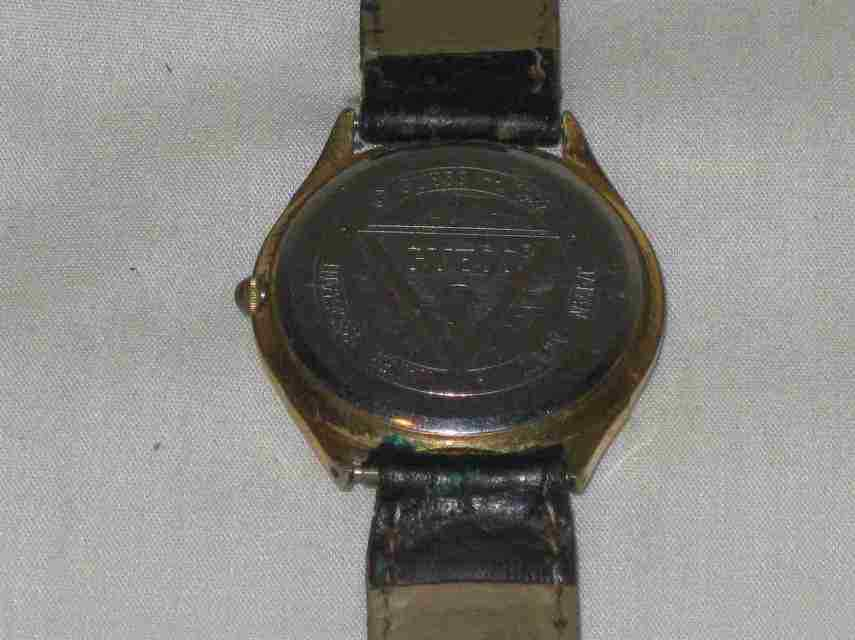 Neat Womens GUESS Wristwatch Watch Month Day Date Dials