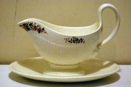 Wedgwood 1997 Conway Gravy Boat With Attached Under Plate - $20.78