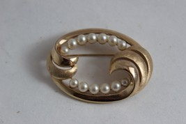 Vintage Trifari Faux Pearl Gold Toned Brooch - $14.85