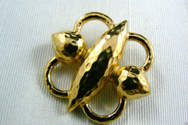 SIGNED MONET GOLD TONE METAL PIN BROOCH NEW - $11.09