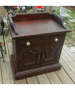Old Tavern Pine Ethan Allen Nightstand / Side Table - $349.00