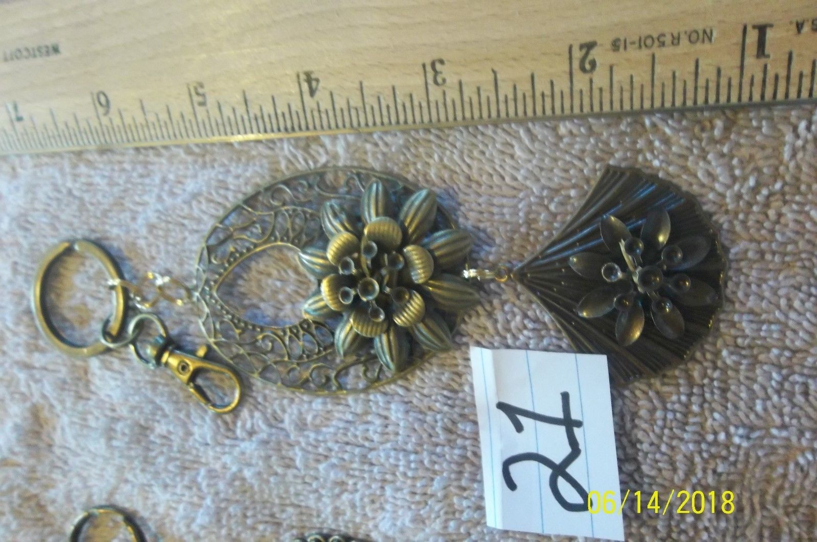 #purse jewelry bronze color keychain backpack filigree charms lot of 3 floral 21 image 3