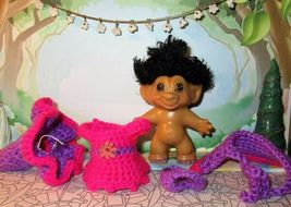 SPRING WITCH TROLL 3 inch crochet dress hat cape panties tab dam doll pink 60's image 4