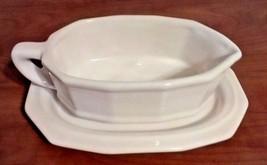 Pfaltzgraff Heritage Off White Ceramic Gravy Boat And Drip Plate - $16.66