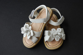 Wonder Kids White Flower Sandals Toddler Girls Size 7 GUC - $7.00