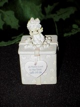 Precious Moments MOM'S LOVE IS THE BEST GIFT OF ALL Trinket Box w/ Two-S... - $9.89