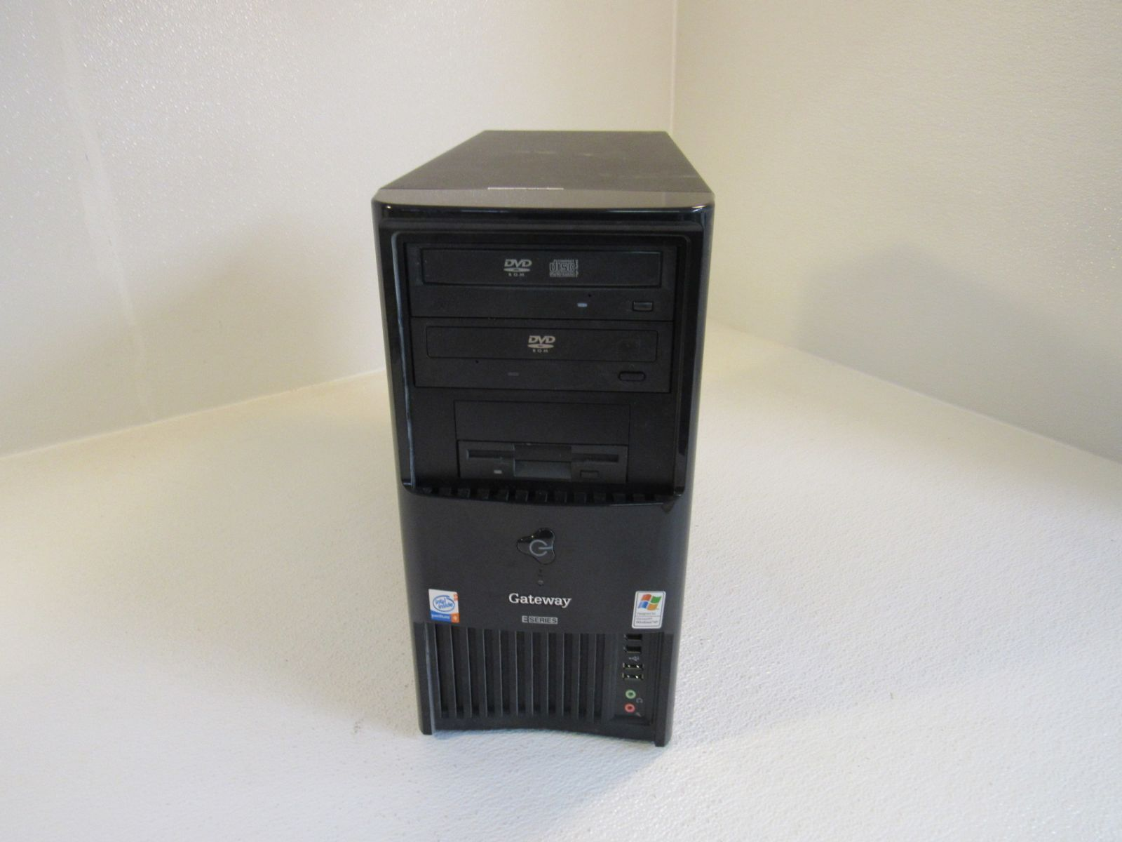 Gateway E-Series Desktop Computer Black 1GB RAM 80GB HD Two DVD-RW E4300