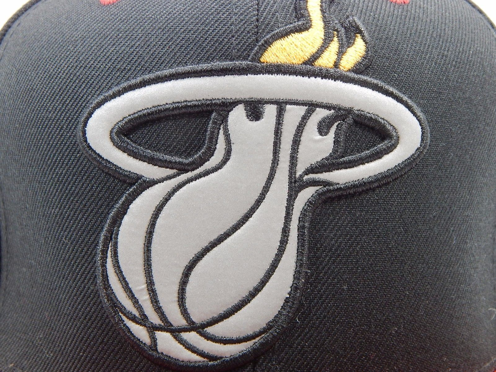 Miami Heat Mitchell & Ness Size 7 3/8 Crown Fitted NBA Cap Hat Black Red Gray