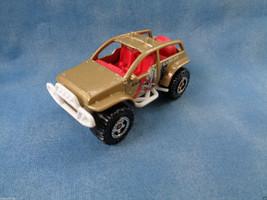 "Matchbox Mattel ""Jungle Recon"" 4 x 4 2002 Dune Buggy Gold / Red Interior - $1.56"