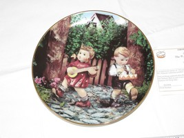 The M J Hummel Plate Collection Little Companions Private Parade Plate #... - $39.59