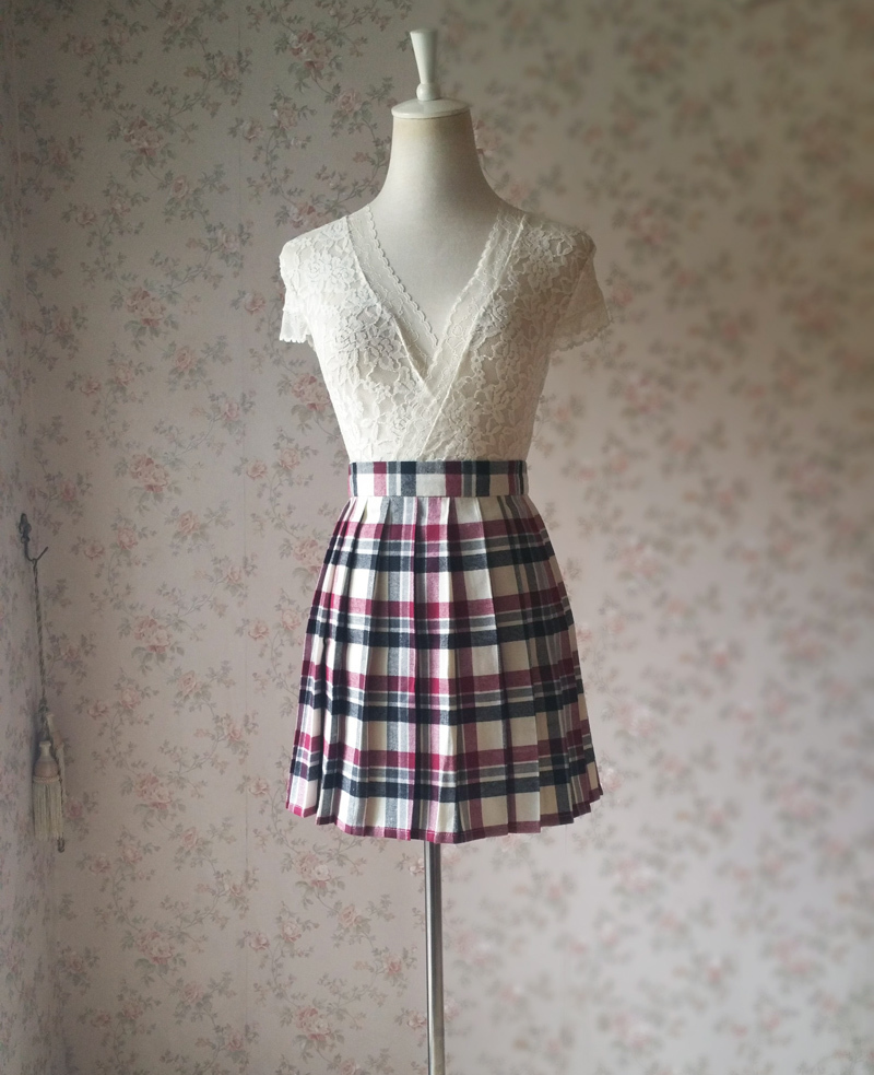 Red White Black Pleated Plaid Skirt School Style Short Pleated Plaid Skirts