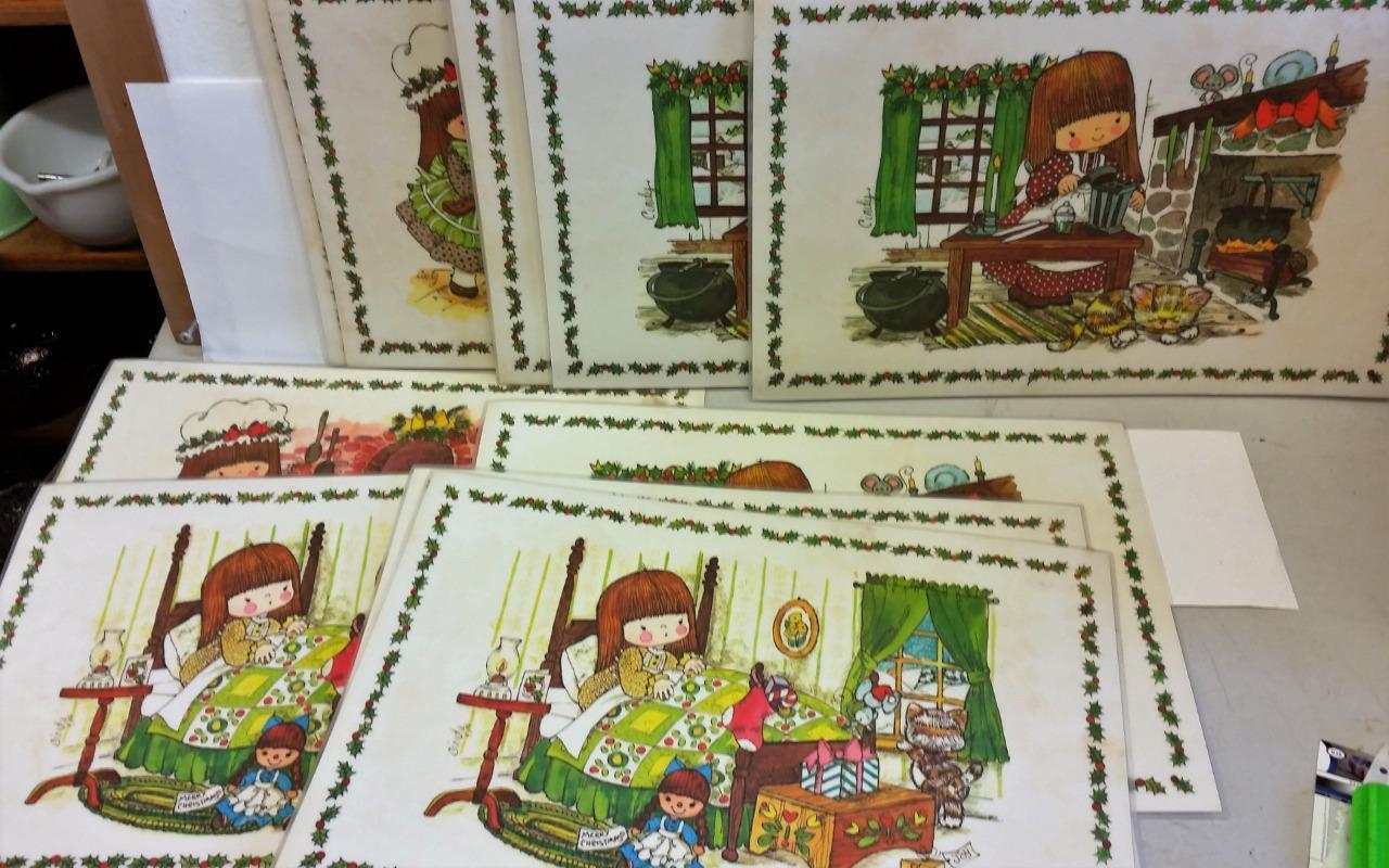 "1975 Vintage ""Cindy"" plastic Placemats Place Mats Cat Holiday Rare 11 mats"