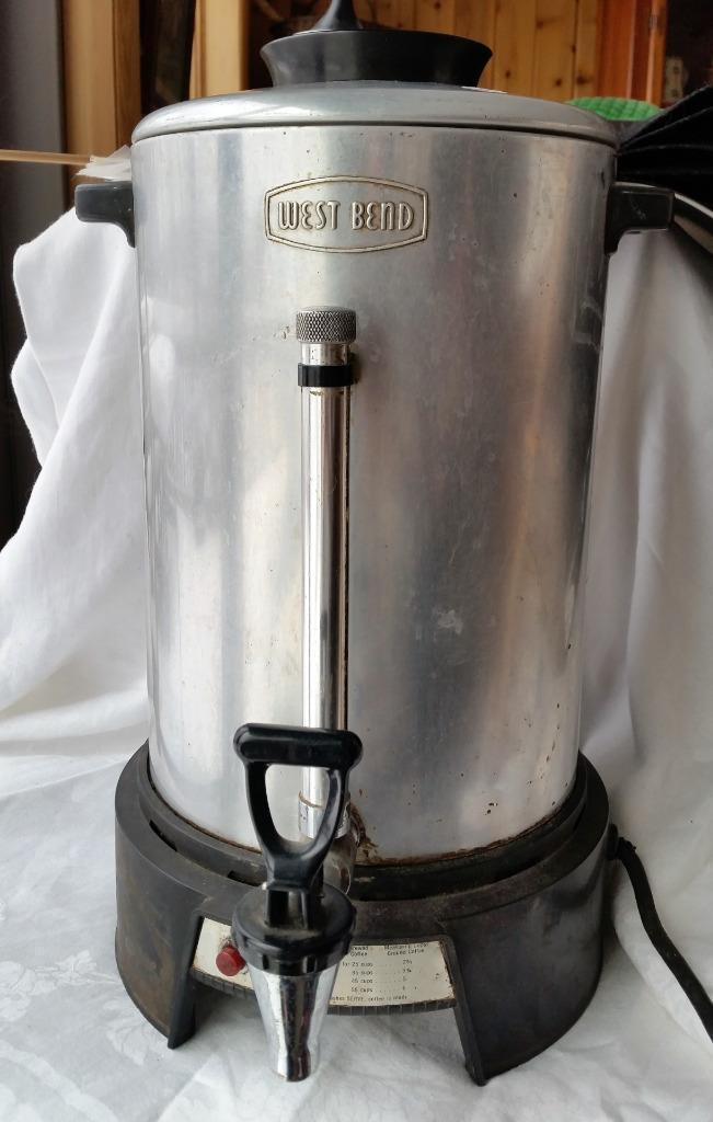 Vintage Aluminum & Bakelite West Bend 55 Cup Coffee Pot Purcolator Viewing Glass