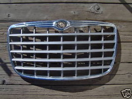 2005 Chrysler 300 Grille - $99.00