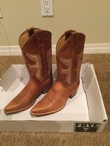 Frye Women's Boots 8 M Daisy Duke Tan Gold  - $356.00