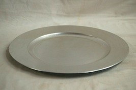 """Gibson Overseas Inc Silver Hard Plastic 13"""" Charger Platter Plate Home Decor - $19.79"""