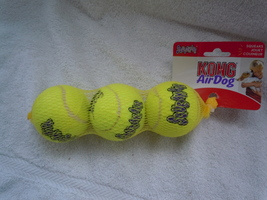 Kong Air Dog Squeakair Balls New Bag of 3 - $5.25 CAD