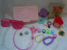 Girls Toy Plastic Jewelry Group - $5.26 CAD