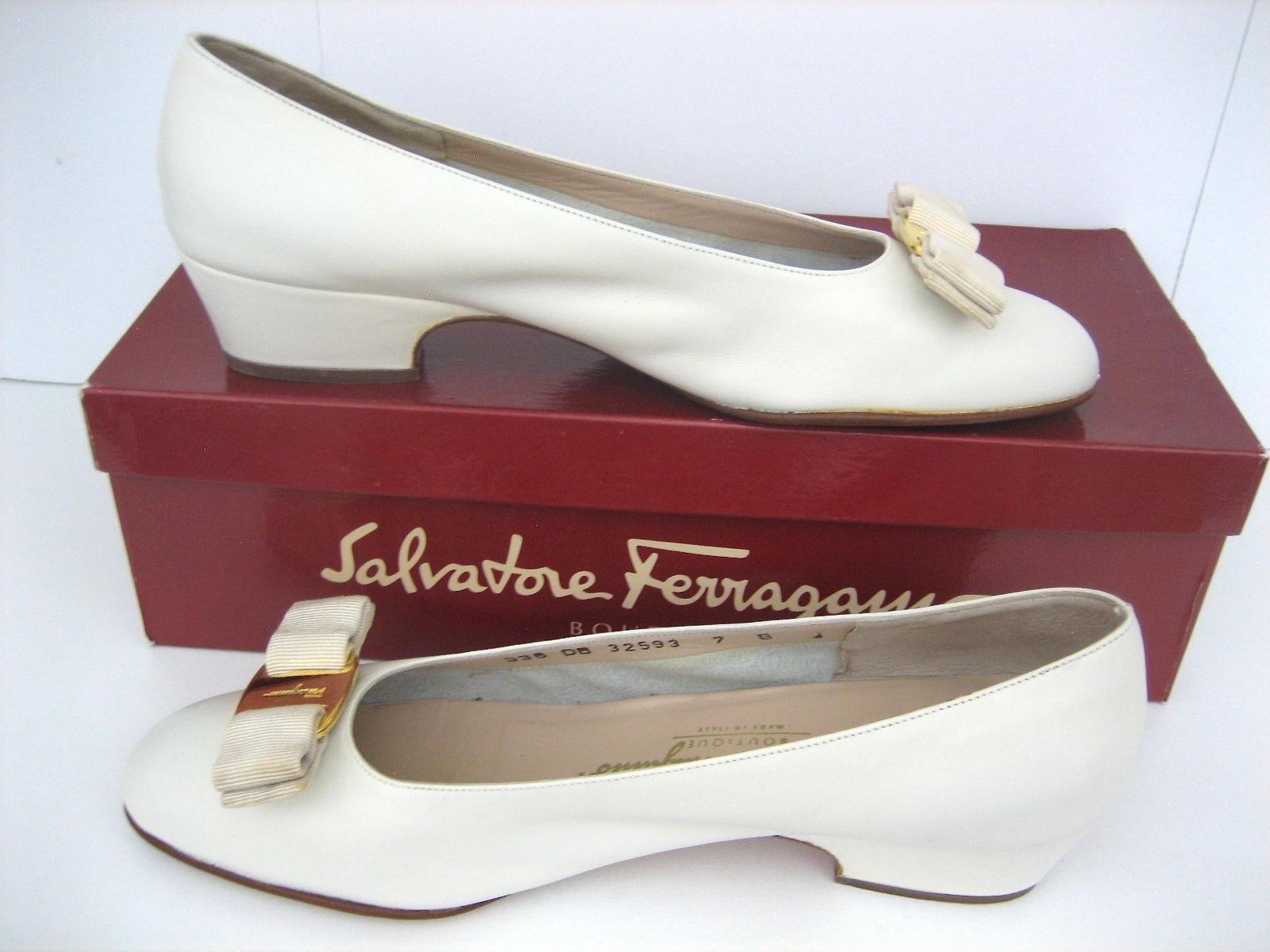 05bf54b95014 Salvatore Ferragamo Vintage Vara Leather and 50 similar items. S l1600