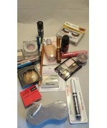 20 piece wholesale makeup lot at a fraction of retail cost - $16.32
