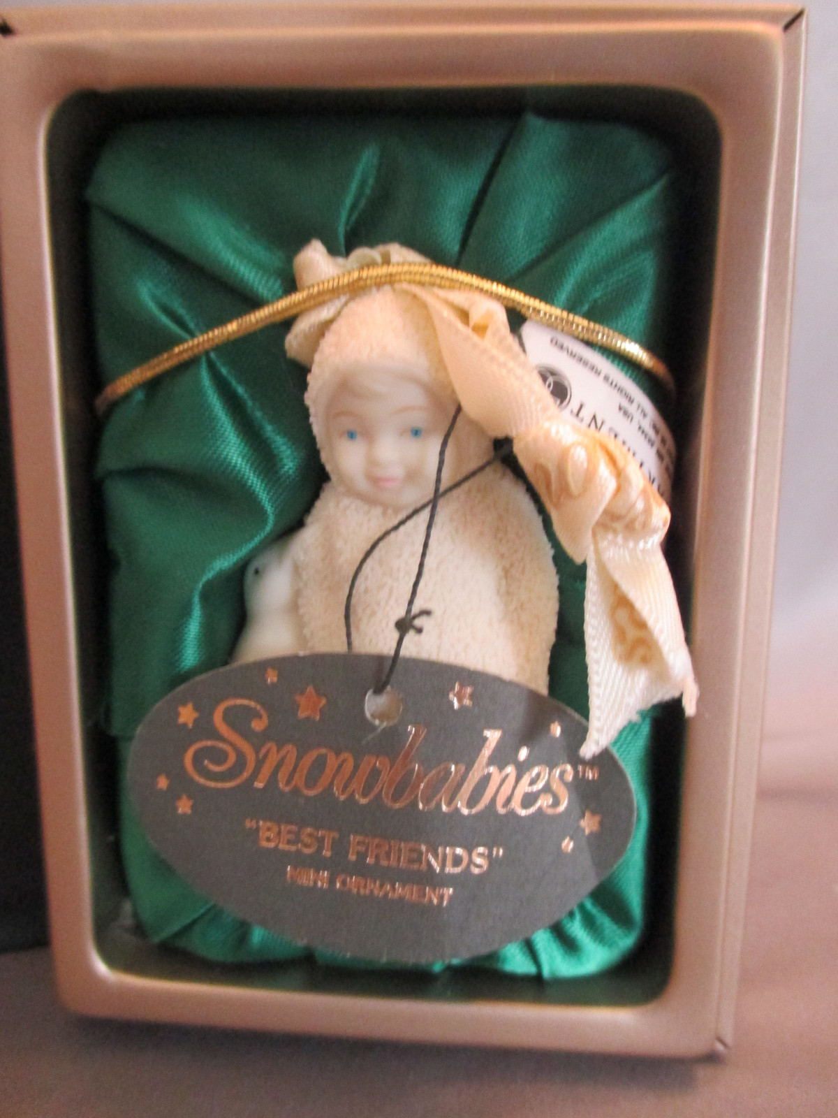 "Dept 56 Snowbabies "" Best Friends "" mini Ornament 1999 Retired, in Box, Penguin"