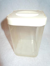 Vintage Gerda Clear Plastic Container With Off ... - $3.99