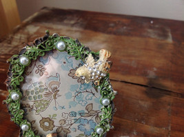 Antiqued Metal Pale Yellow Bird Green Oval Photo Frame Pearl Jewel Accented image 2