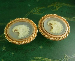 HUGE eagle Cufflinks incolay heraldry symbol of strength Bird figural cameo cuff - $65.00