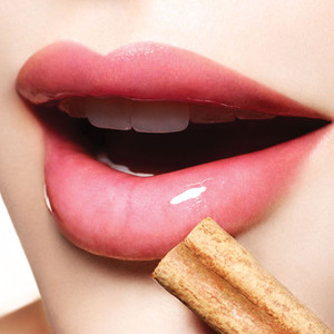 Primary image for LIP PLUMPING BEAUTIFUL SENSUOUS FULL LIPS VOODOO RITUAL BLACK MAGICK