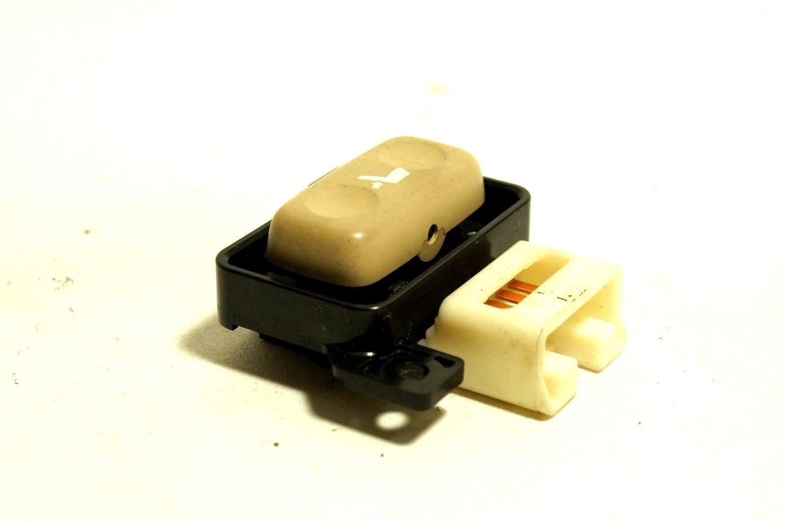 06-2010 lexus is250 350 seat recliner switch control front right passenger seat - $14.84