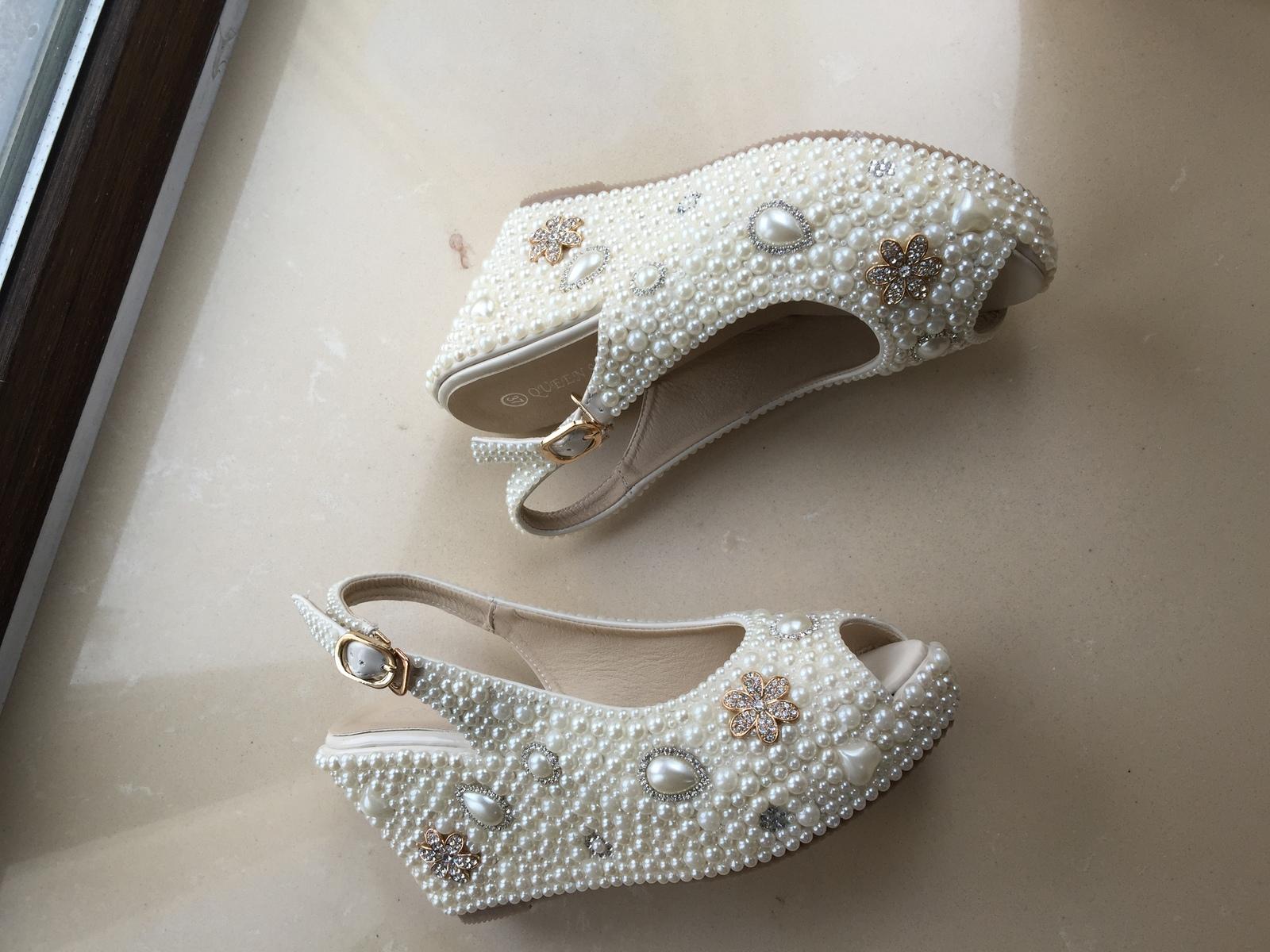 bridal woman sandlas ivory pearls gold rhinestone flowers wedding wedge shoes image 4