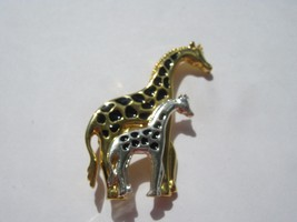 MOTHER AND BABY GIRAFFE BROOCH  MARKED TC - $5.93