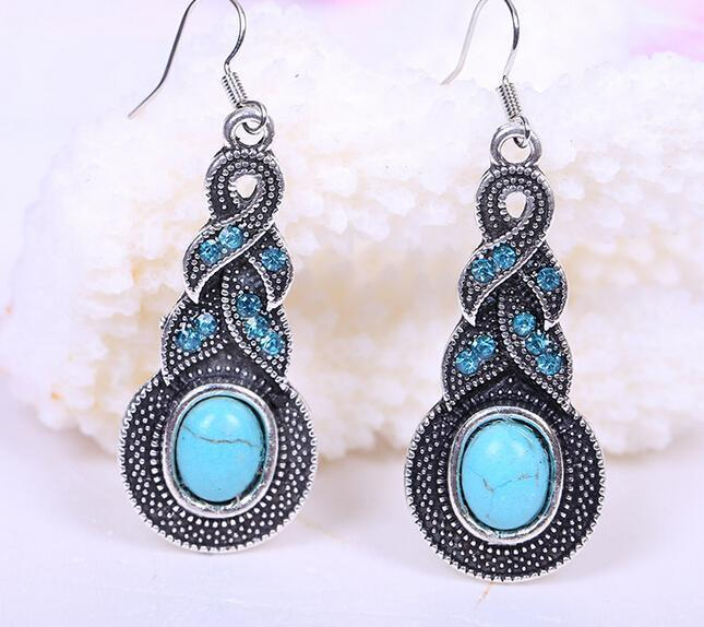 TURQUOISE AND TIBETAN SILVER PENDANT AND EARRING SET