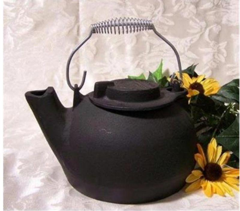 Tea Kettle Cast Iron Pot Vintage Antique Old Mountain Lid Handle 2 Quart Black
