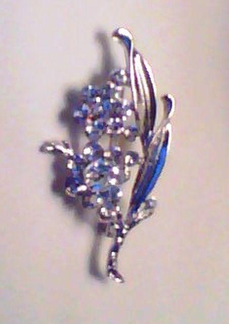 SILVER FLOWER SPRAY PIN/BROOCH WITH CRYSTALS