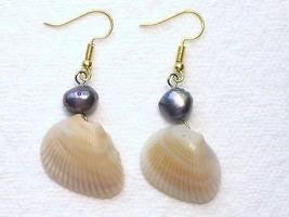 Tan Cream Seashell Silver Blue Peacock Cultured... - $2.25