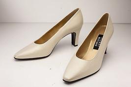 Stuart Weitzman 7.5 Ivory Pumps Women's Shoes - $118.00