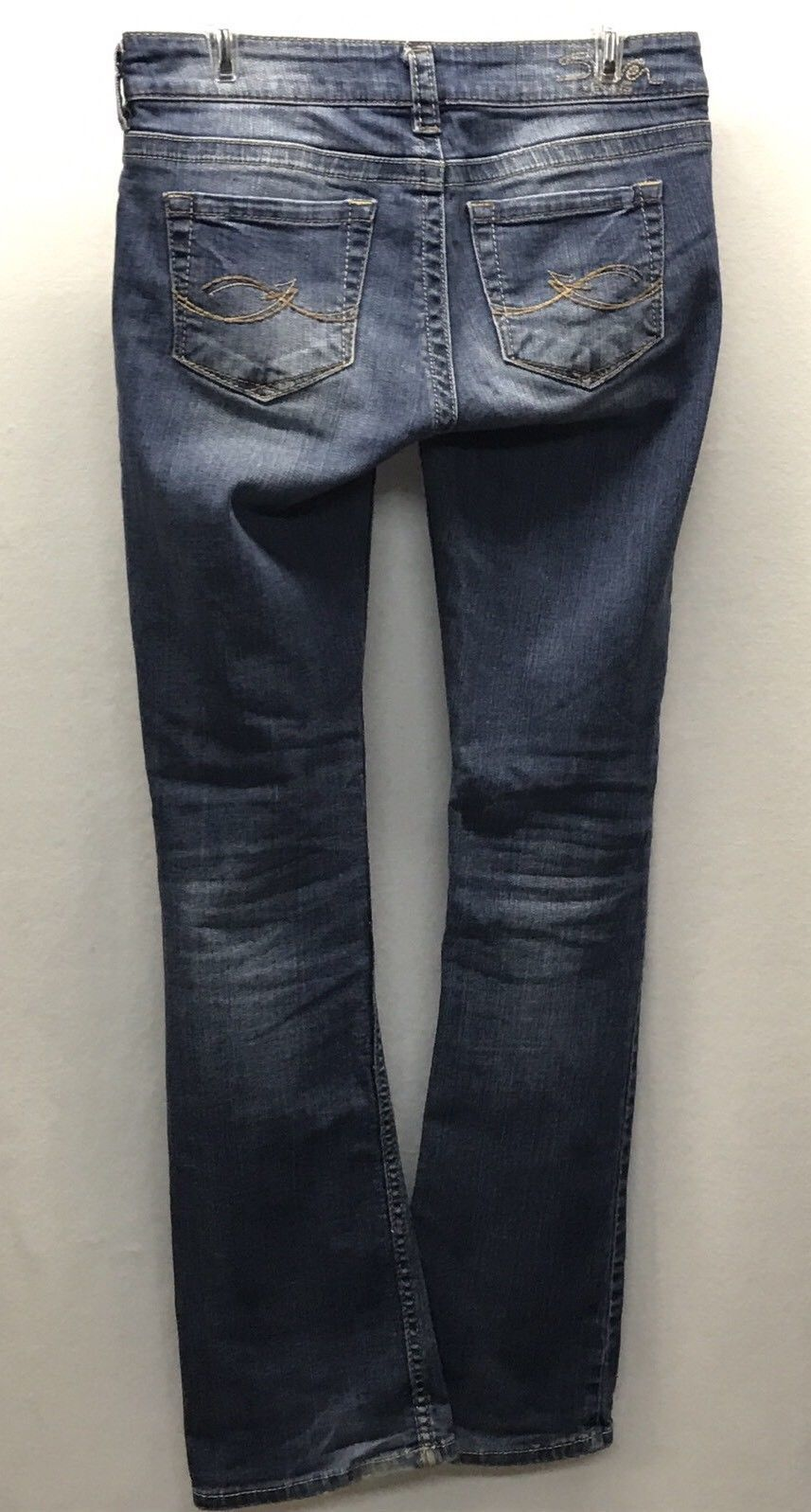 Silver Jeans Kingston Low Rise Boot Cut Tag Size 27 Long Actual 33 in x 32 in