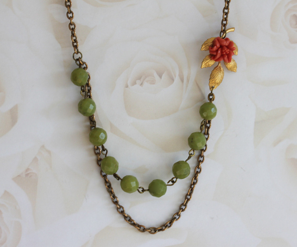 Coral Flower Necklace, Green Gemstone Necklace , Vintage Bridal Jewelry, Flower
