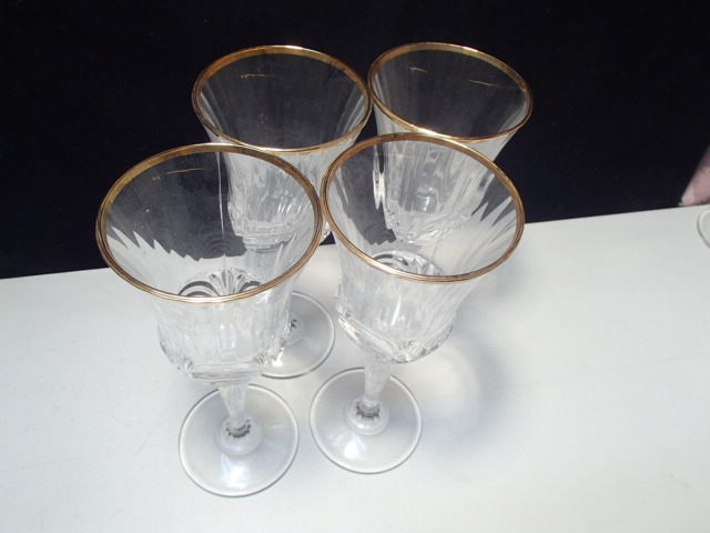 4 RCR Gold Aurea Wine Stems