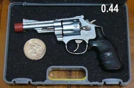 MAGNUM .44 REVOLVER, DISPLAY MODEL SCALE 1/2.5, Metal - $18.88