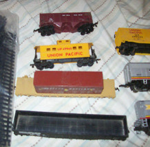Vintage HO Backmann LifeLike Santa Fe Union Pacific Train Set image 3