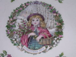 Royal Doulton Christmas Plate 1978 Red Riding Hood in Box - $36.15