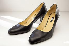 ECCO 9 9.5 Black Pump Women's Shoe EU 40 - $49.00