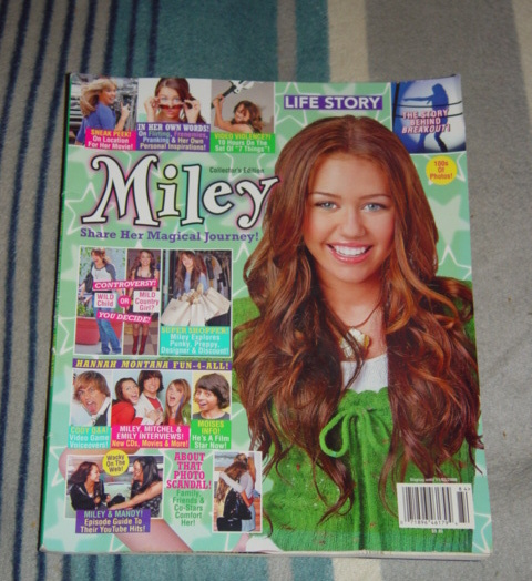 Primary image for Miley Life Story  Collector's Edition Hannah Montana 11/03/2008