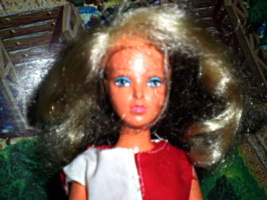 Tuesday Taylor Doll by Ideal toys 1975 Changig hair Doll image 2