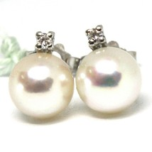 18K WHITE GOLD EARRINGS WITH WHITE ROUND AKOYA PEARLS 7.5 MM AND DIAMONDS image 2